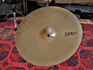 studio-la-boite-a-meuh-cymbale-ufip-ritmo-ride-20-dessous