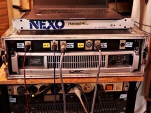 studio-la-boite-a-meuh-processeur-Nexo-MSI-C-ampli-qsc-3102