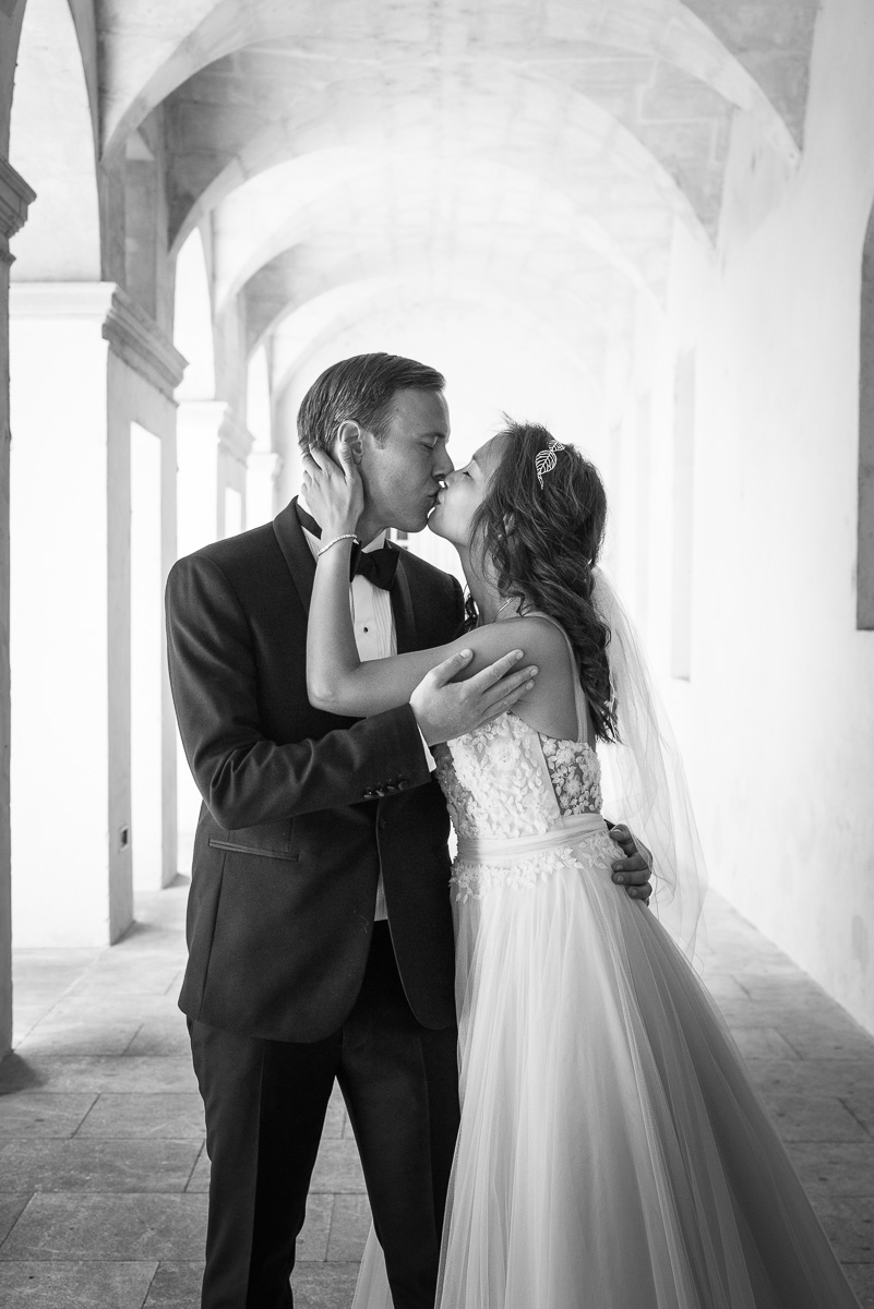 003_couple_baiser_kiss_book_mariage-par-ludovic-maillard-studio-sud_171802_