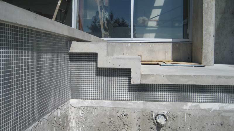 Esquimalt  pool  home building in Vancouver