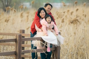 Busan Gamcheon Village Cherry Blossom Family Photographer-21