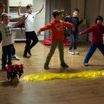 Wenn der Tanz-Workshop am Ende der Party geplant ist, kann zumAbholen der Kinder das Erlerntevorgetragen werden.