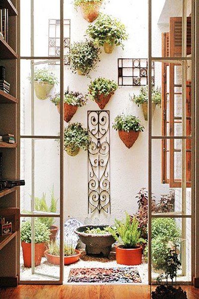 wall vases (6)