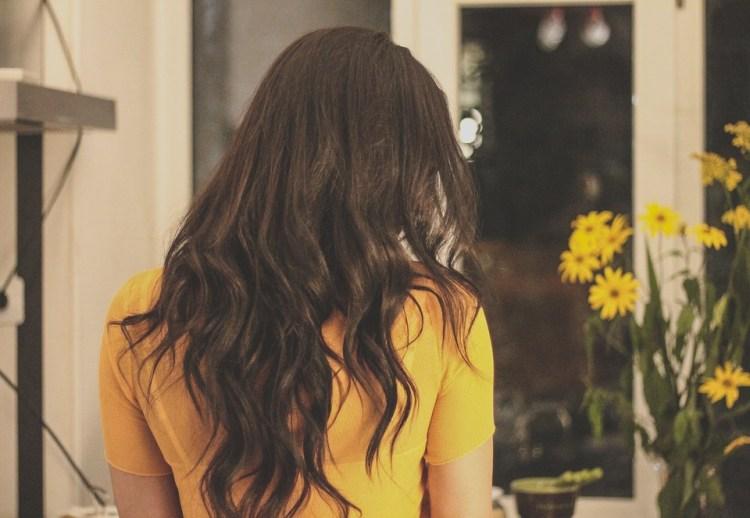 brunette-2178266_960_720