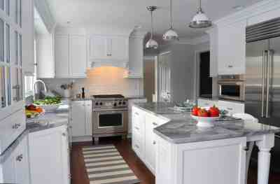 white and gray traditional kitchen design in Hudson Ohio