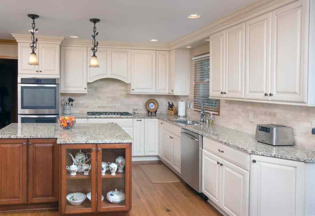 Quality kitchen cabinets in this Ohio Kitchen Remodel