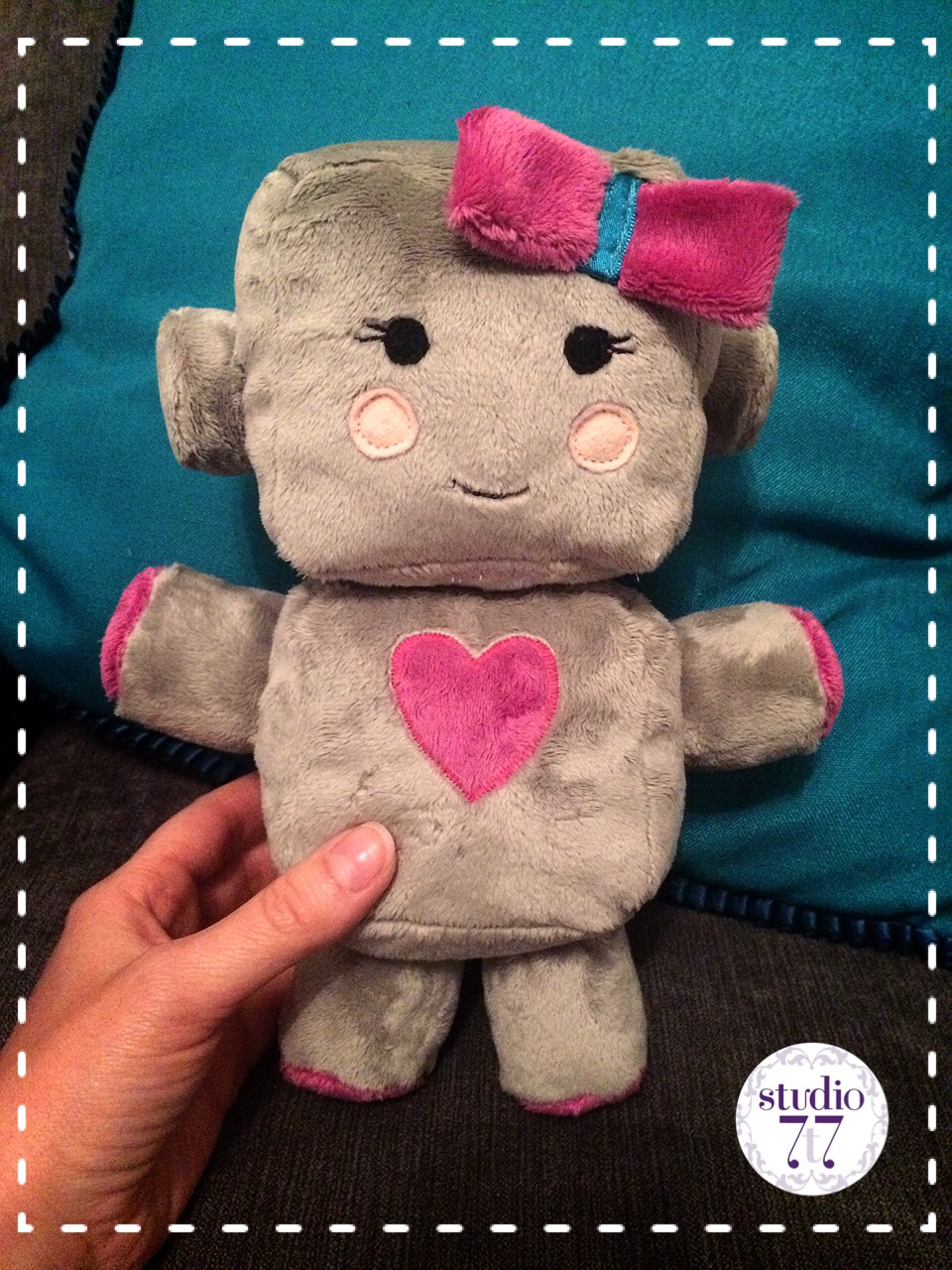 Robot plush toy – Lily