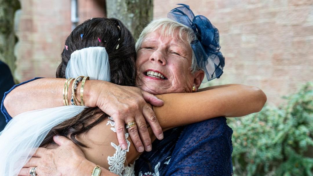 mum, Hugging the bride