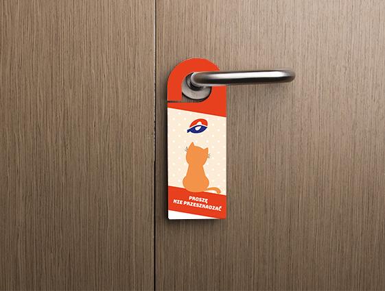 zawieszka hotelowa na drzwi