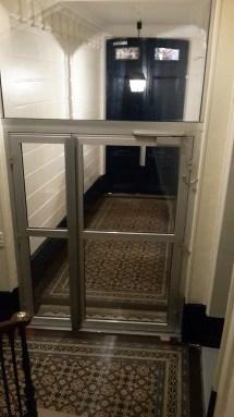 L'entrée : deuxième porte avec digicode