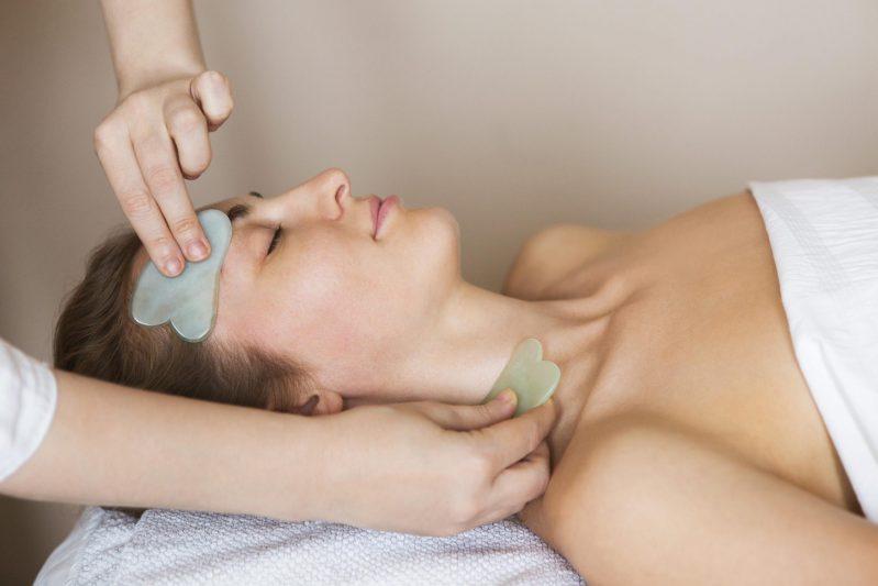massage gua sha
