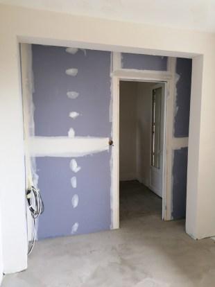 une nouvelle cloison et la chambre est aggrandit