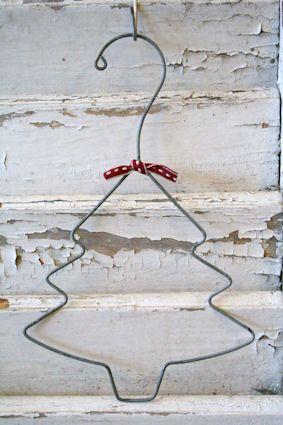 árboles de navidad muy originales con materiales reciclados