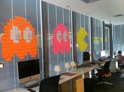Escaparatismo creativo para oficinas y espacios comercialea