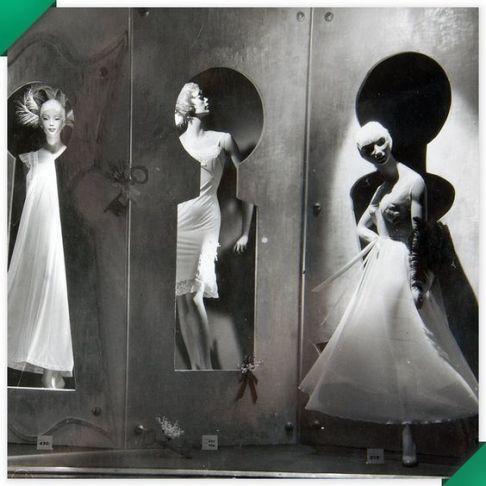 Escaparate de los años 50 de lencería