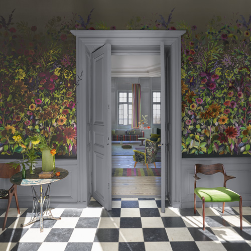 Wallpaper image courtesy of The Designers Guild