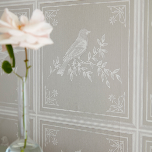 Wallpaper image courtesy of Nina Campbell © at Osborne & Little Ltd.