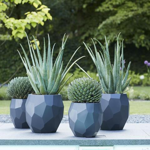 We are happy to announce our first collaboration with ELHO. These outdoor flowerpots are inspired by our poligon collection and available in the beginning of 2018 #2018.world @elho.world