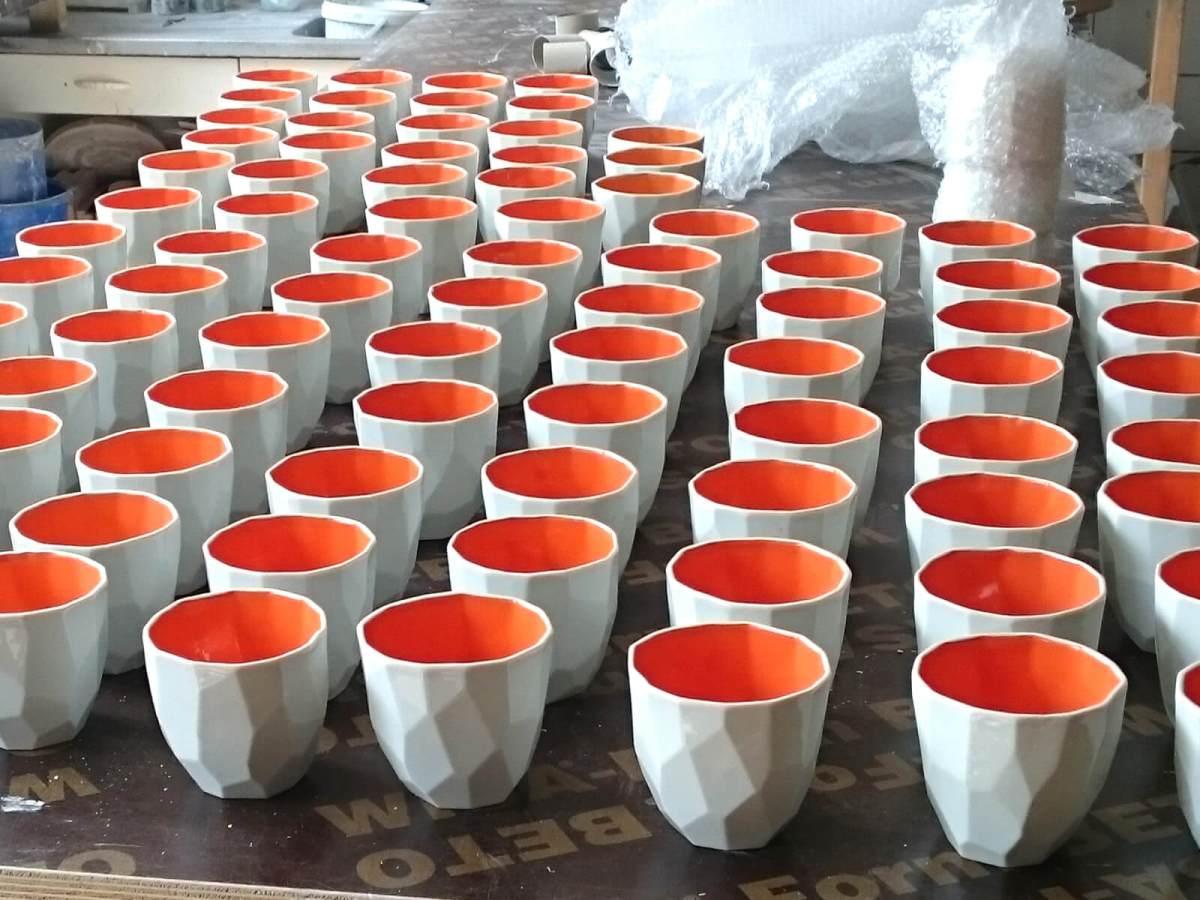 De kruidmolen lorier koffiemokken – lorier studio lorier de kruidmolen klemerskerke lorier
