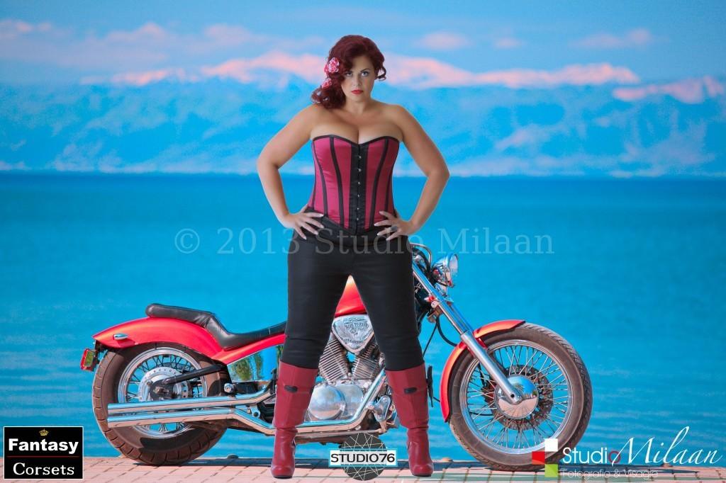 Model: Gertie Pronk Fotograaf: Jacques Eding Styling en hairstyling: Liesbeth Buddingh van Binsbergen Visagie: Sonja Eding