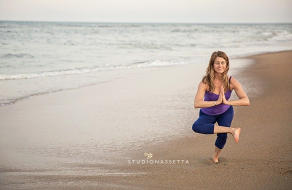 beautiful-woman-yoga-on-the-beach-duck-nc
