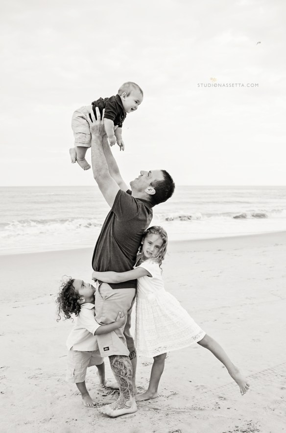 black and white obx beach family portrait