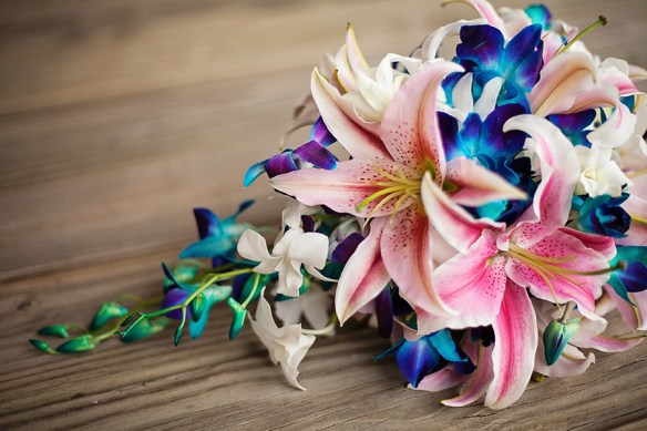 Outer-Banks-NC-bridal-bouquet-orchid-flowers-purple-pink-detail-photos