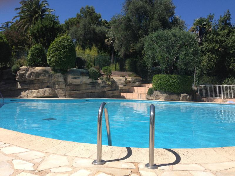 studio terrasse piscine vente