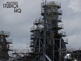 New photos below reveal further construction progress. A new steel structure taking shape is now visible on the end of one of the main buildings. Also, mountainous formations are nearing exterior surface completion. Stay connected with Hollywood Studios HQ for the latest on the Planet Batuu construction. Star Wars: Galaxy's Edge. Disney's Hollywood Studios. Photo by John Capos