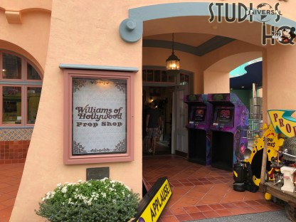 Guests attending Universal Studios Florida October 17-18, 2020 were treated to a unique shopping opportunity. Williams of Hollywood Prop Shop opened their doors for these two days to enable shoppers to select from authentic movie props and other memorabilia from both theme parks. Stay tuned to Hollywood Studios HQ for future Park merchandise news. Universal Orlando. Photo by John Capos