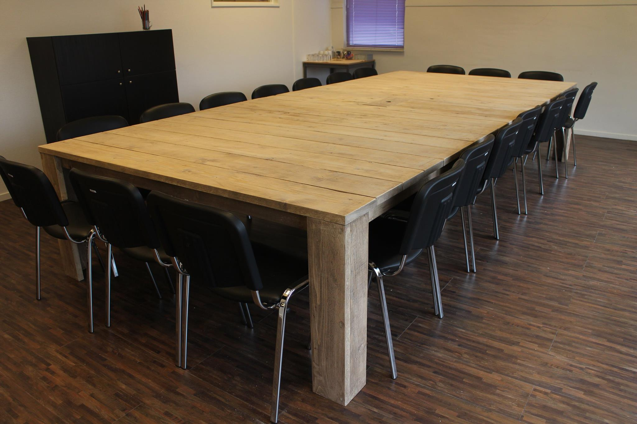 Lister Conferentietafel op maat 20 personen steigerhout