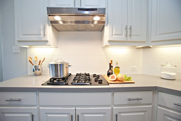 white kitchen cabinets with subway tile backsplash white subway tile backsplash