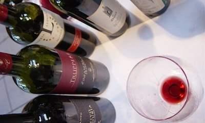 nalewanie-wina-Studio-Wina