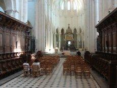 Pontigny - opactwo Cystersów - jedno z najlepiej zachowanych we Francji (na drodze z Chablis do Troyes)