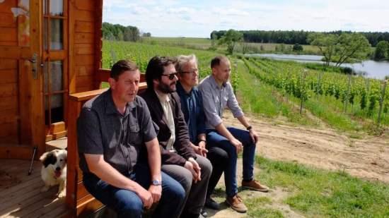 od lewej: Tomasz, Grzegorz, Zbigniew, Jacek (foto: archiwum Winnicy Turnau)