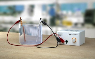 電気を流す「水溶液」の中には「イオン」がある?元研究員が解説