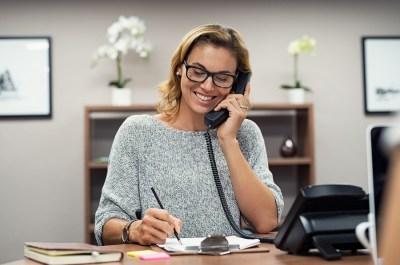 【英語】1分でわかる!「on the (tele)phone」の意味・使い方・例文は?ドラゴン桜と学ぶ英語主要熟語