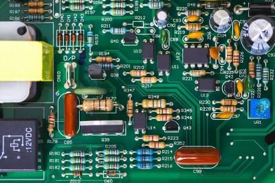 ICカードの仕組みに応用されている「レンツの法則」とは?理系ライターが解説