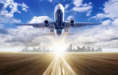 飛行機が飛ぶ仕組み「揚力」を初心者目線で理系ライターが解説