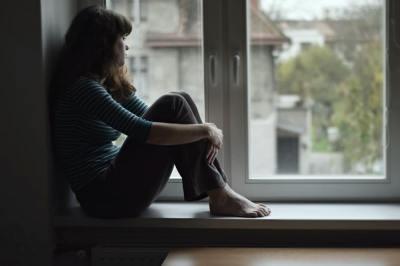 「憂鬱」の意味や使い方は?例文や類語を読書家Webライターが解説!