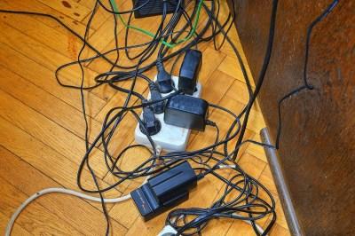キルヒホッフの法則とは?回路の分岐が多い時に役立つこの法則を理系ライターがわかりやすく解説