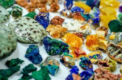 「造岩鉱物」の種類と特徴はどんなもの?地球科学専攻卒が5分でわかりやすく解説!