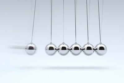 運動量保存?力学的エネルギー?違いを理系ライターが徹底解説!