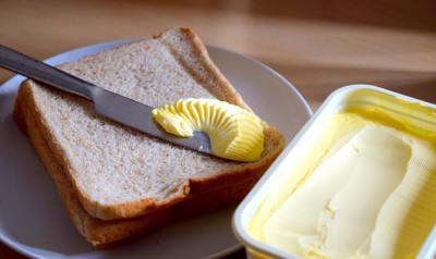 3分でわかるマーガリンとバターの違い!健康への影響や用途・代用について雑学大好き現役大学生が解説