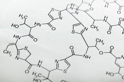 化合物内における元素の質量組成「定比例の法則」を元塾講師がわかりやすく解説