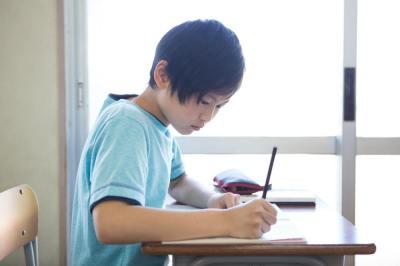 【慣用句】「精が出る」の意味や使い方は?例文や類語などを現役塾講師が解説!