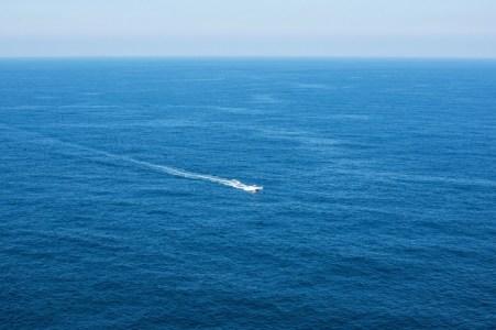 【慣用句】「待てば海路の日和あり」の意味や使い方は?例文や類語をWebライターが解説!