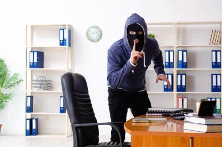 【ことわざ】「嘘吐きは泥棒の始まり」の意味や使い方は?例文や類語を元国語科教員ライターが解説!