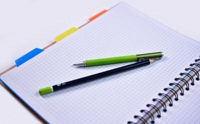 「補足・言換を表す接続詞5つ」それぞれの意味と使い方を解説
