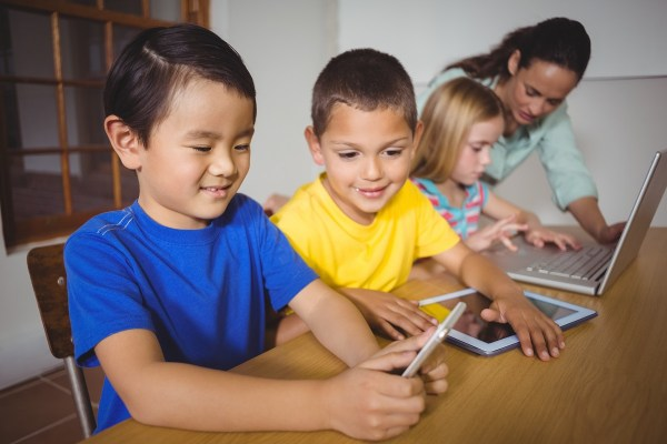 Pros & Cons Of Technology In Elementary